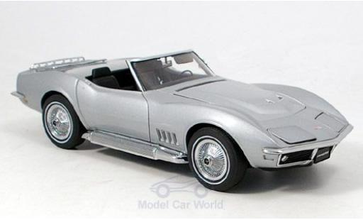 Chevrolet Corvette 1/18 AUTOart grey 1969
