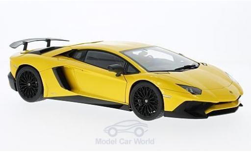 Lamborghini Aventador 1/18 AUTOart LP750-4 SV metallic-yellow 2015 diecast