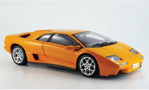 Lamborghini Diablo 1/18 AUTOart 6.0 orange miniature