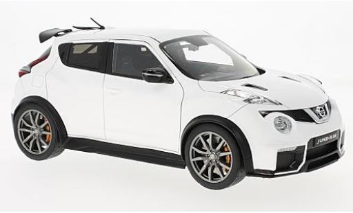 Nissan Juke 1/18 AUTOart -R 2.0 white 2016 diecast model cars