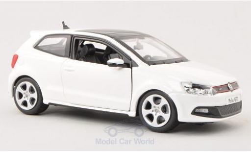 Volkswagen Polo 1/24 Bburago V GTI white diecast