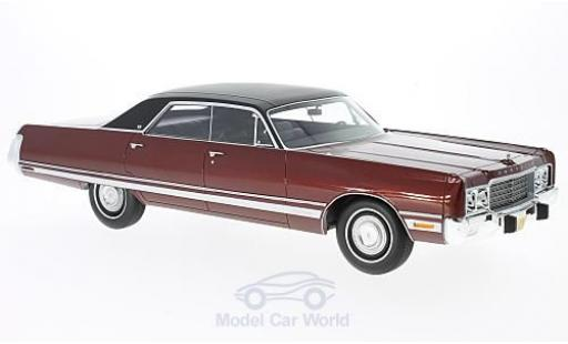 Chrysler New Yorker 1/18 BoS Models Brougham metallise rouge/noire 1973 miniature