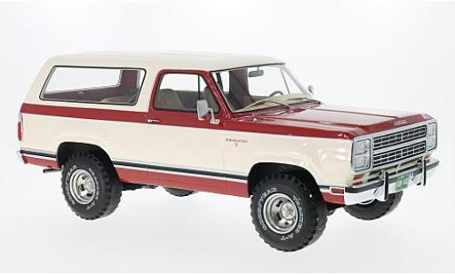 Dodge RAM 1/18 BoS Models Ramcharger rouge/blanche 1979 miniature