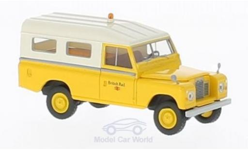 Land Rover 109 1/18 Brekina Starmada British Rail miniature