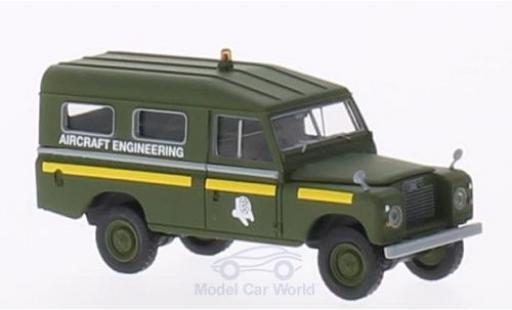 Land Rover 109 1/18 Brekina County Station Wagon RAF Aircraft Engineering (GB) oliv miniature