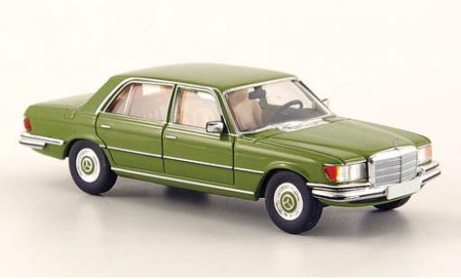 Mercedes 450 1/87 Brekina SEL (W116) verte miniature