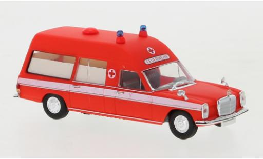 Mercedes /8 1/87 Brekina KTW Berufsfeuerwehr Frankfurt 1970 2. Version Ambulanzwagen miniature