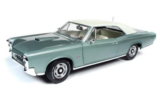 Pontiac GTO 1/18 Ertl metallise verte/beige 1966 miniature