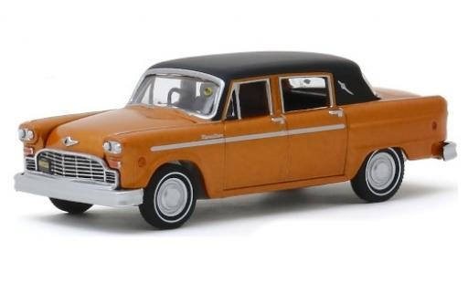 Checker Marathon 1/64 Greenlight metallise orange/matt-noire 1972 miniature