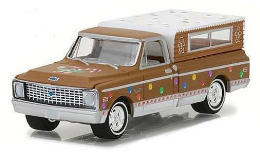 Chevrolet C-10 1/64 Greenlight brown/Dekor 1972 avec Camper S diecast model cars