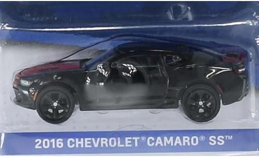 Chevrolet Camaro 1/64 Greenlight SS noire/rouge 2016 General Motors Series 1 ohne Vitrine miniature
