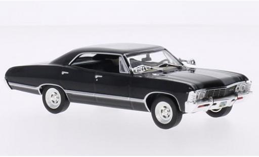Chevrolet Impala 1/43 Greenlight Sport Sedan noire Supernatural TV Series 1967 miniature