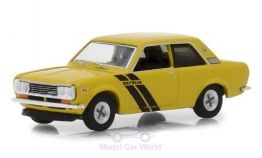 Datsun 510 1/64 Greenlight jaune 1972 miniature
