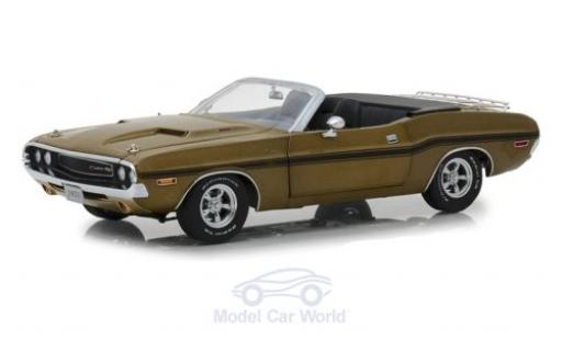 Dodge Challenger 1970 1/18 Greenlight R/T Convertible gold miniature