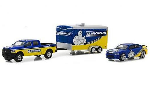 Dodge RAM 1/64 Greenlight Ram 2500 Michelin 2017 with Charger SRT Hellcat and Enclosed Car Hauler miniature