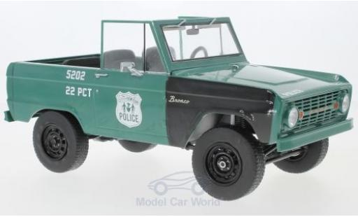 Ford Bronco 1/18 Greenlight Police Pursuit verte/blanche NYPD - New York Police Department 1967 miniature