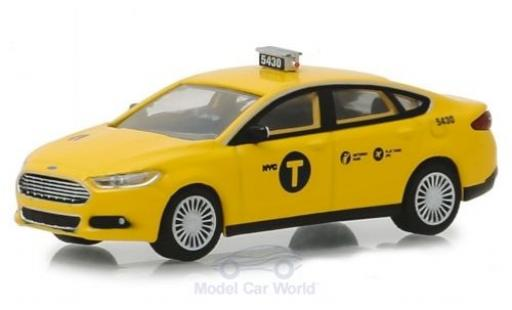 Ford Fusion 1/64 Greenlight New York Taxi 2013 miniature