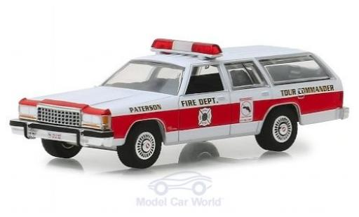 Ford LTD 1/64 Greenlight Crown Victoria Wagon Paterson Fire Department 1985 miniature