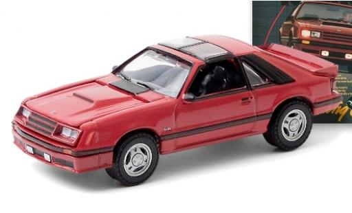 Ford Mustang 1/64 Greenlight GT rouge 1982