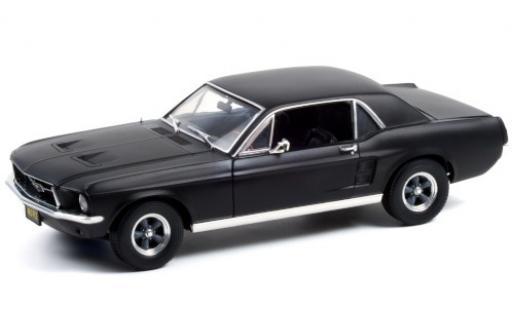 Ford Mustang 1/18 Greenlight matt-black 1967 Creed diecast model cars