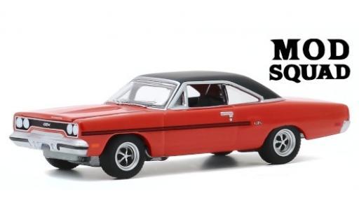 Plymouth GTX 1/64 Greenlight orange/matt-black The Mod Squad 1970 diecast model cars