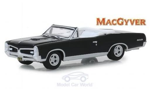 Pontiac GTO 1/64 Greenlight Convertible black MacGyver 1967 diecast