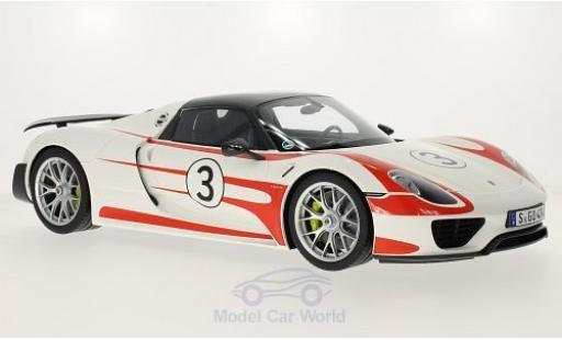 Porsche 918 1/12 GT Spirit Spyder blanche/Dekor Weissach Package miniature