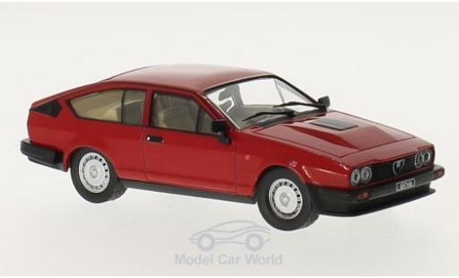 Alfa Romeo GT 1/18 GTI Collection V6 2.5 rouge 1980 miniature