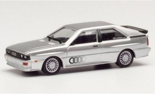 Audi Quattro 1/87 Herpa grise/Dekor miniature