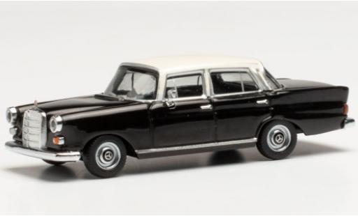 Mercedes 200 1/87 Herpa (W110) black/white diecast model cars