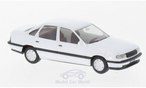 Opel Vectra 1/87 Herpa A blanche H-Edition mit Kennzeichenbedruckung miniature