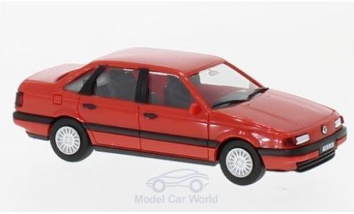 Volkswagen Passat 1/87 Herpa red H-Edition mit Kennzeichenbedruckung diecast