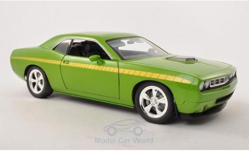 Plymouth Cuda Concept 1/18 Highway 61 Car verte/jaune miniature