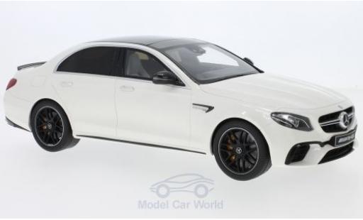 Mercedes Classe E 1/18 GT Spirit AMG E63 S blanche 2018 miniature