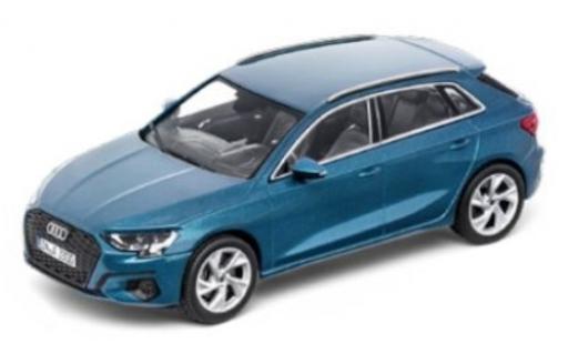 Audi A3 1/43 I iScale Sportback (8Y) metallise bleue 2020 miniature