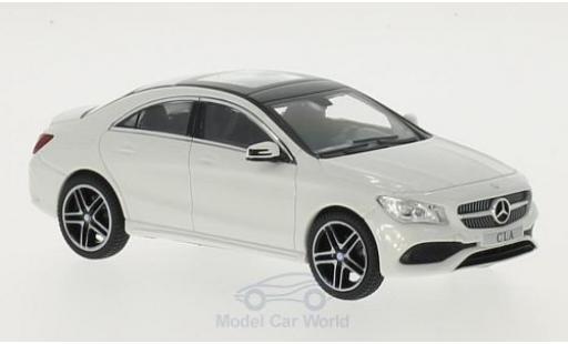 Mercedes CLA 1/43 iScale (C117) blanche miniature