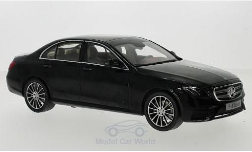 Mercedes Classe E 1/18 iScale (W213) AMG Line noire 2016 miniature