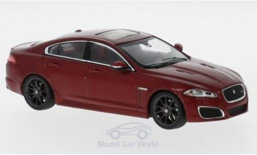 Jaguar XF R 1/43 IXO metallise rouge miniature