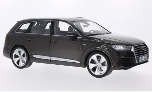 Audi Q7 1/18 I Minichamps metallise marron miniature