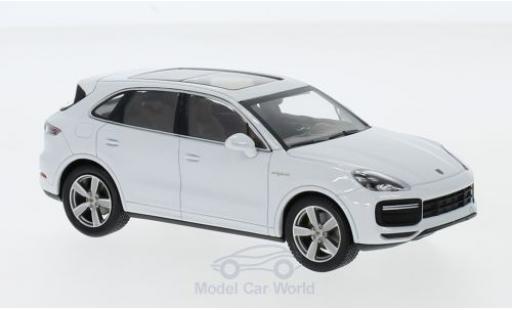 Porsche Cayenne 1/43 I Minichamps Turbo S e-hybrid blanche 2019 miniature