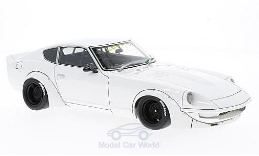 Nissan Fairlady Z S30 1/18 Ignition Model (S30) by Liberty Walk blanche RHD miniature