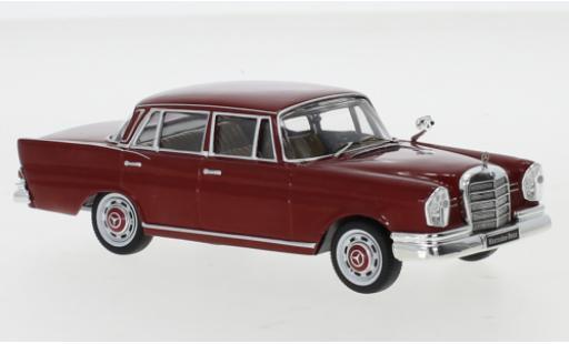 Mercedes 220 1/43 IXO SE (W111) rouge 1959 miniature