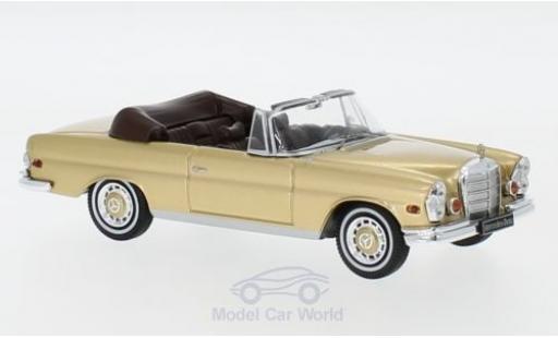 Mercedes 280 1/43 IXO SE (W111) 3.5 gold 1969 diecast model cars