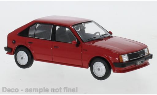 Opel Kadett 1/43 IXO D GT/E rouge 1983 miniature