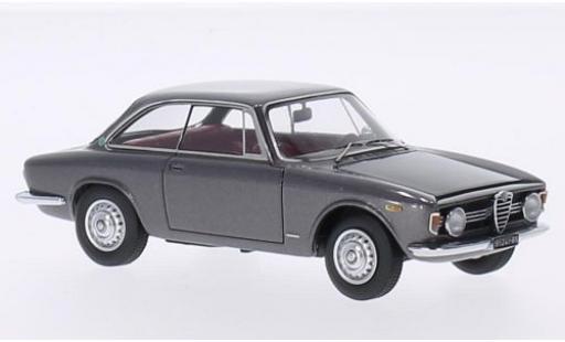 Alfa Romeo Giulia 1/43 Kess Sprint GT Velcoce 1.6 metallise grise 1966 miniature