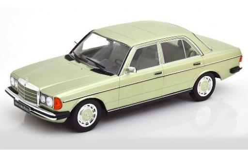 Mercedes 280 1/18 KK Scale E (W123) metallise verte 1977 miniature