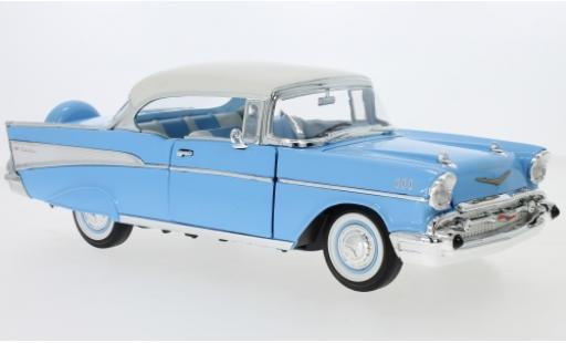 Chevrolet Bel Air 1/18 Lucky Die Cast Hardtop bleue/blanche 1957 miniature