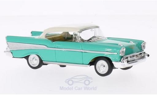 Chevrolet Bel Air 1/43 Lucky Die Cast verte/blanche 1957 ohne Vitrine miniature