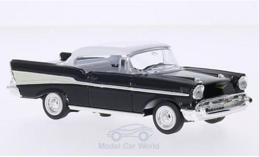 Chevrolet Bel Air 1/43 Lucky Die Cast noire/blanche 1957 ohne Vitrine miniature