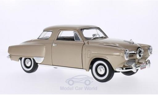 Studebaker Champion 1/18 Lucky Die Cast metallise beige 1950 diecast model cars